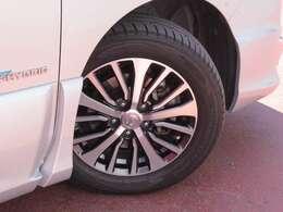 タイヤサイズは195/60R16です。