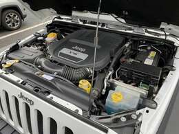 V6エンジンが快適な走りを演出してくれます。
