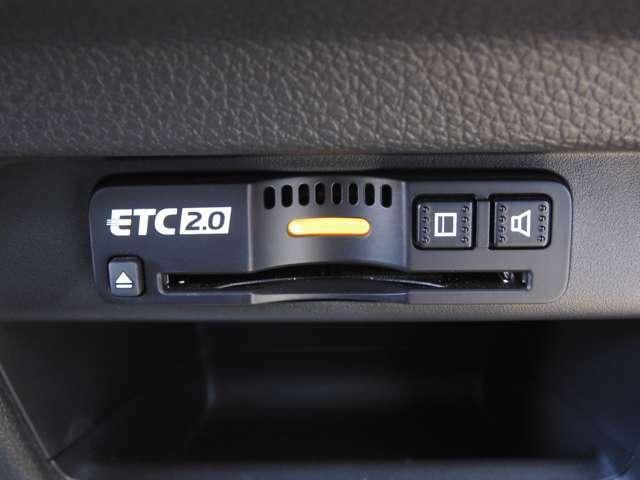 高速道路のご利用時にとても便利。ETCカードを差し込むだけで料金所での現金支払いが不要となりスムーズに通過できます。