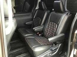 後部座席ももちろんシートカバー付きなのでお手入れラクラク!