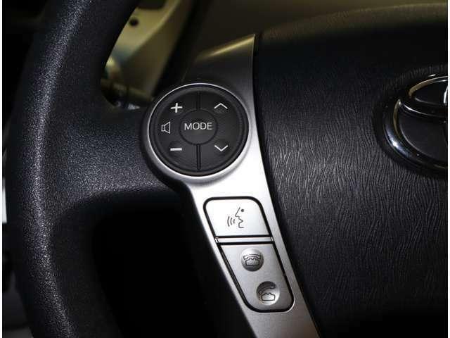 走行中のナビ操作はステアリングスイッチをお使いください。