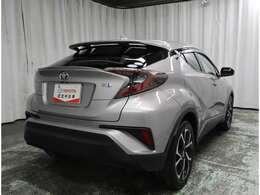 《ハイブリッド保証》トヨタ認定中古車のハイブリッドカーでハイブリッド機構を無償で保証します。保証期間は、初度登録年月から10年目まで、または3年間の長い方。但し累計走行距離が20万km以内です。
