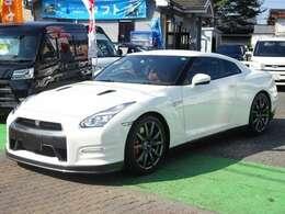 ≪平成27年式 GT-R プレミアムエディション≫ 日産が誇るスポーツカー!GT-Rが入庫いたしました!!