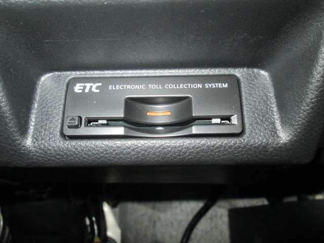 ビルトインETCも付いてます、高速ドライブを楽しんで下さい。