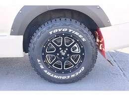 【タイヤ&ホイール】ホワイトカラーのワイドタイヤと存在感のあるホイールで、ワイルドな印象に ヮクd(*^0^*)dヮク