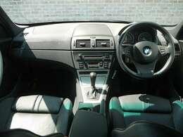 BMWの高級感のあるインテリア♪室内の状態も綺麗に保たれています。