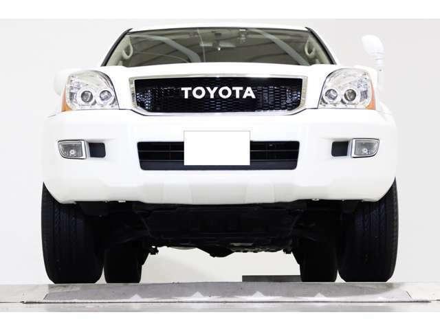 4WD ワンオーナー ヴィンテージグリル マットブラック17インチアルミホイール LEDイカリングヘッドライト LEDテールランプ ドライブレコーダー付 キーレス CD MD ETC 3列シート 8人