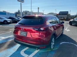 3列シートの多人数乗車を可能にしながらSUVのスタイルを崩さず、スタイル・利便性・走行性能・質感を確立したマツダの人気SUVです。