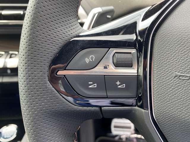 ダイヤル操作でスピードメーターの表示を変えられます!