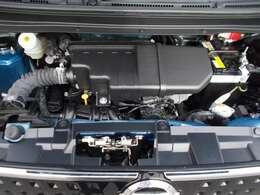 ご納車の前にサービス工場で法定12ヶ月点検を行い、エンジンオイル・オイルフィルター・ワイパーゴム等を交換いたします。