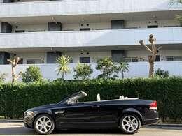 今までの整備も正規ディーラーで全て行われており、履歴もしっかりした良質な車両です。
