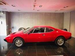 ベルトーネ デザイン V8フェラーリのルーツとも言える存在のおクルマです。