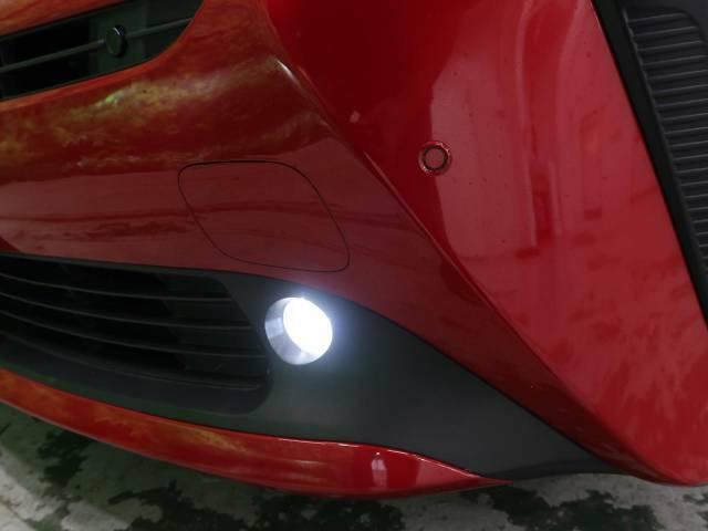 【フォグライト】足回りもしっかり照らしてくれる為、夜間でも安心してドライブ出来ます♪