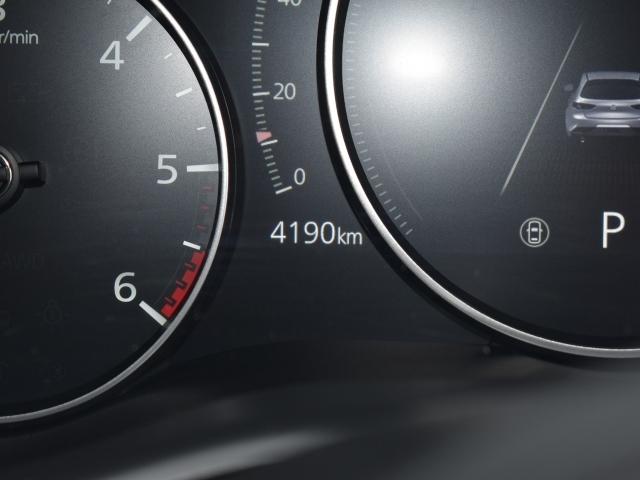 4190kmの少走行車両 内装のクリーニングに外装のコーティングが施工された弊社お勧めのSKYACTIV-ADVANCE車両です。