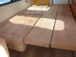 ダイネットをベット展開しますと約190×100のベットとなります!