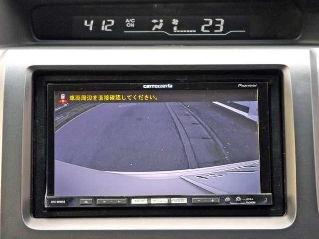 バックカメラ付きで駐車も安心です!!