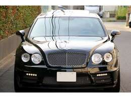 人気のベルーガはWALD Black Bison がとても似合います☆車内のスイッチでデイライトのON/OFF切り替えが簡単にできます☆