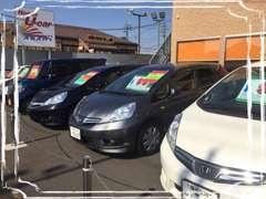 展示場にはホンダ車を中心に人気車種がたくさん並んでおります。是非一度実際に見にいらして下さい!
