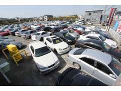 常時160台以上の在庫を取り揃えております。一部別所に保管している車両もございますので、ご来店時は一度ご連絡下さい!