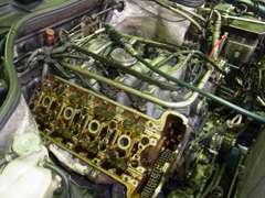 メルセデスベンツのエンジン修理等承ります。