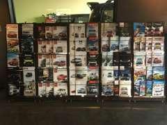 新車のカタログも豊富に取り揃えております!