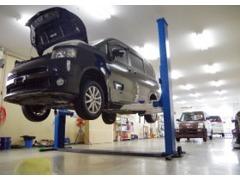 自社整備工場完備!お車の磨きやメンテナスを丁寧に行ってます♪