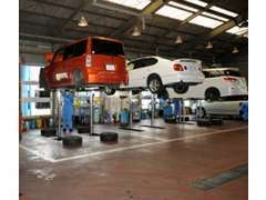 安全・安心の為に提携認証工場で法定点検と試験走行を行います。
