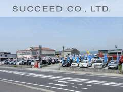 セダン・バン・軽自動車・ミニバンそしてトラックなど多種多様の在庫を豊富に取り揃えております。