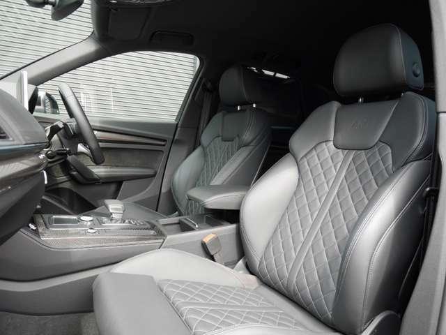 オプション装備「ファインナッパレザー ダイヤモンドステッチ」シートです!ヒーター付きパワーシート(ランバーサポート付き)で、快適にお過ごしいただけます!
