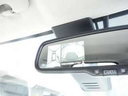 車両を上から見下ろすよう表示されるアラウンドビューモニター 駐車が楽になりますよ。