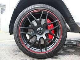 ★エディション1用AMG22AW(正規品)を装着しております。タイヤは4本共にピレリ製で約7分残溝御座います。