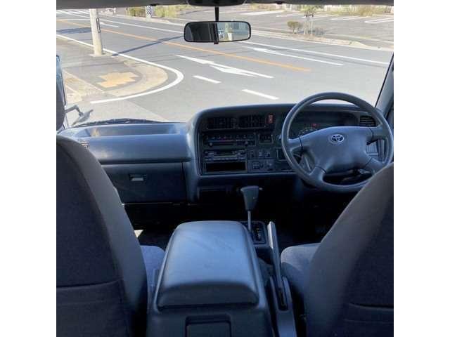 運転席シートまわりもとてもきれいな状態です。