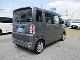 「高年式」「低走行」「高品質」をモットーに常時100台程の展示車をご用意しております。