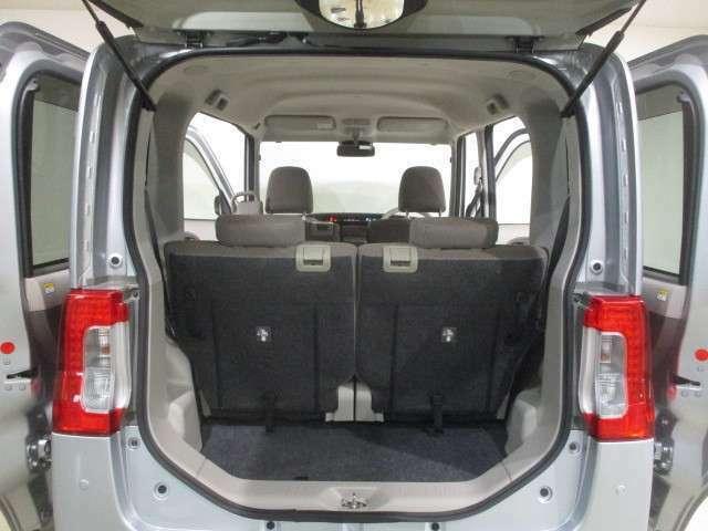 広びろラゲージルーム(4名乗車時)お荷物のスペースも、しっかり確保しています。