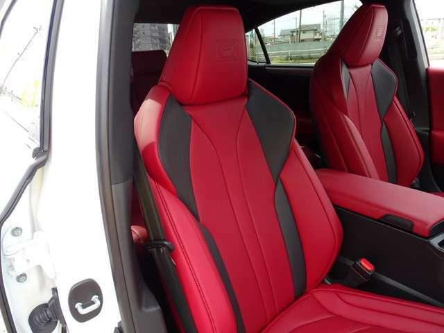 ☆Fスポーツ専用レザーシートです!専用色で人気のフレアレッドです!フロントシートにはベンチレーション機能、シートヒーター付きで一年中快適なドライブをお楽しみ頂けます!☆