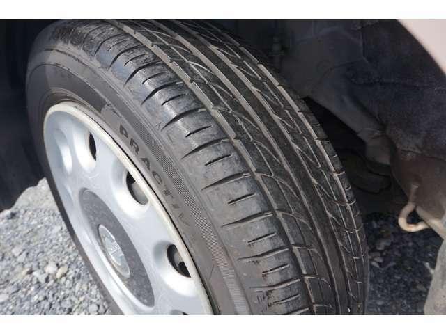 タイヤ残山もしっかりございます!納車後すぐに出費が掛かりません!