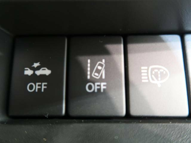 【車線逸脱抑制機能】高速道路走行時、車線からはみ出しそうな時にステアリングを制御し車線内を走行する様にアシスト。より安全な運転をサポートしてくれます!