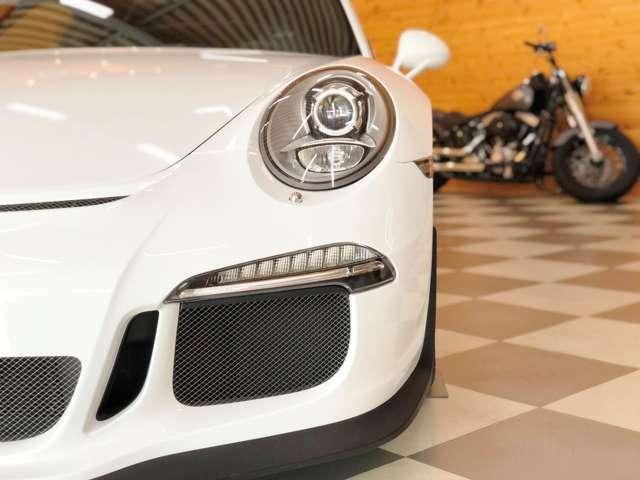 バイキセノンヘッドライト GT3専用エアインテーク