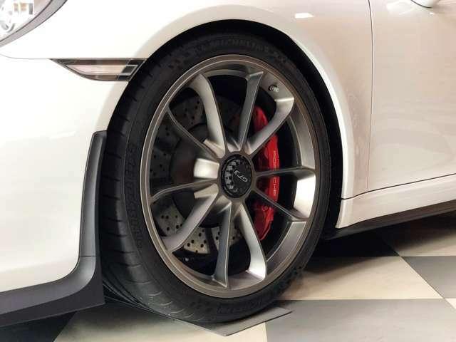 チタニウムグレー20インチ 911 GT3ホイール
