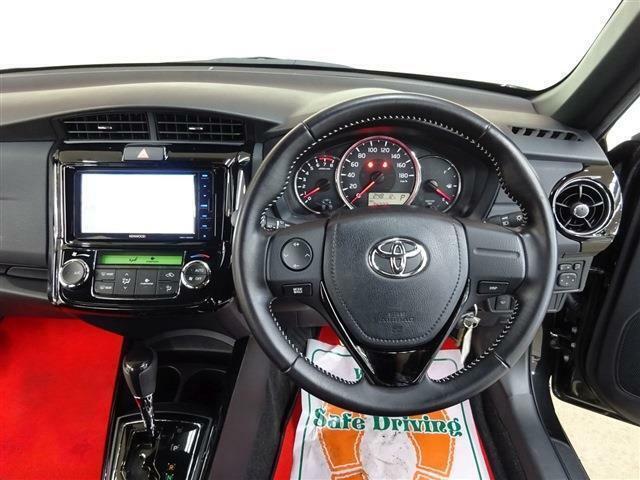 ■ ハンドル ■ エンジンスターター、ドライブレコーダー、ETC、GPSオービスレーダー、スタッドレスタイヤ&アルミホイールなどの販売取付けも行っております。