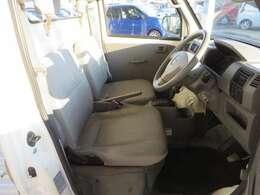 快適に運転できるドライブポジション!無理のない運転姿勢がとれます
