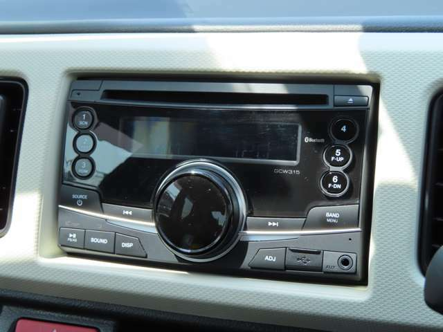 純正CD/Bluetoothオーディオついてます♪