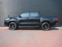 """ハイラックス誕生50周年記念特別仕様車「Z""""Black Rally Edition""""」です。"""