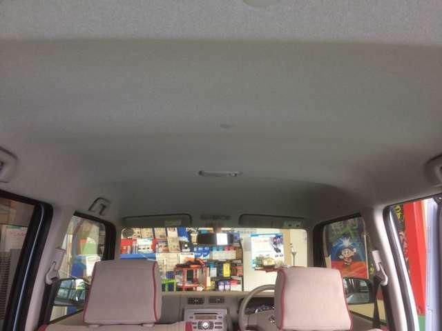 天井もヤニ汚れ、剥がれもなくとてもキレイです。