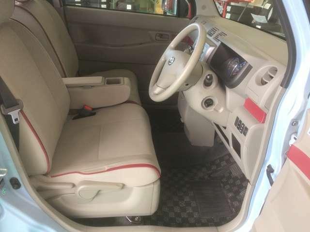 前席、ゆったりとくつろげます。視界良好!運転が楽しくなりますよ^^