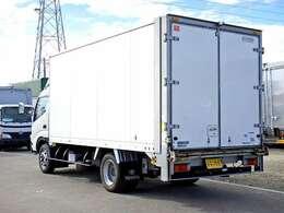 荷台内寸 長さ453cm×幅206cm×高さ198cm