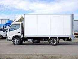 車両総重量6755kg 最大積載量3000kg