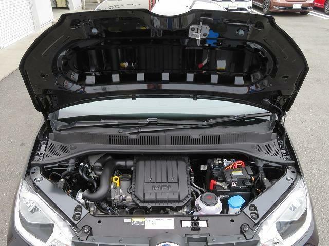 1.0L MPIエンジン:この3気筒エンジンはアルミ合金を使用するとともに、構造の最適化によりエンジン内部のパーツを減らすことでエンジンの本体の小型化と軽量化に成功しました。