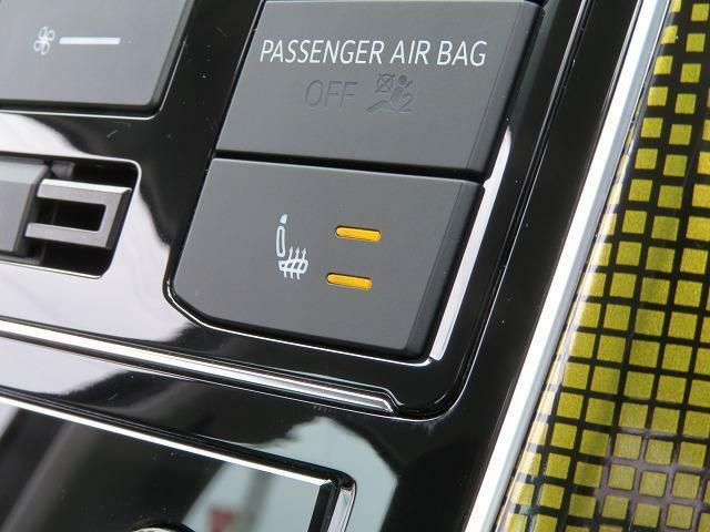 シートヒーター(運転席/助手席):座面を温め、寒い日でも快適なドライブが楽しめます♪
