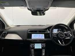 Apple CarPlay・Android Autoを搭載。Google mapもナビ画面に映せ、お持ちのスマートフォンに接続できます。またBluetoothなどのメディアにも対応しております。